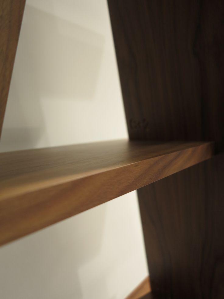 Lovely detail of our #XI bookshelf here in walnut. #walnut #design #bookshelf  #shelvingunits #wewood