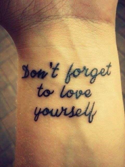 Tattouage sur le poignet