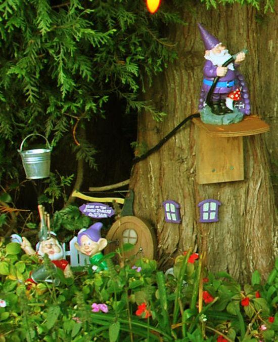 Gnome Garden: 33 Best Garden Gnome Village Images On Pinterest