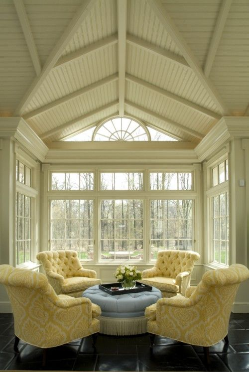 ...: Living Rooms, Ceilings Design, Traditional Exterior, Vaulted Ceilings, Sit Rooms, Yellow Chairs, Sun Rooms, Sit Area, Sunroom