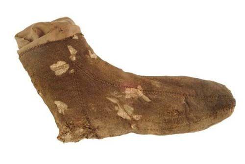 Silk sock, 1540-1560, Museum of London