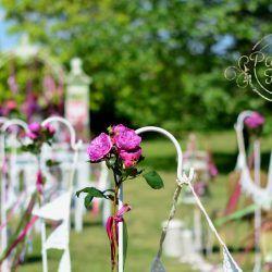 Ślub plenerowy-kwiatowo-koronkowa alejka