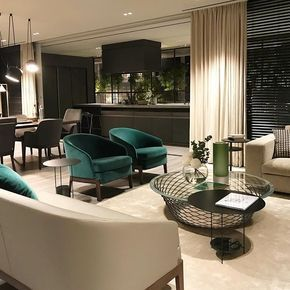 Molteni&C … 住まいのモジュールを想定して作られたショールーム リビングルーム 差し色のグリーンが効いてる。 … #architecture #design #sofa #green #livingroom #light #showroom #interiordesign #furniture #インテリア #デザイナー #リビング #ソファ #家具 #建築 #差し色 #緑 #ショールーム #大阪