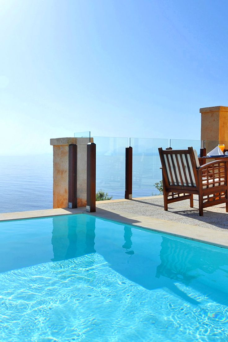 Change your morning ritual at Sea Side Resort & Spa close to the picturesque village of Agia Pelagia. #travel #pool #infinity #blue #relax #crete