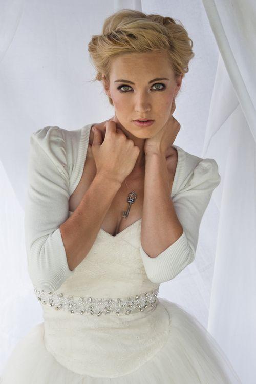 Best 25 Winter Wedding Hairstyles Ideas On Pinterest: Best 25+ Wedding Hair Front Ideas On Pinterest