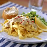 Här hittar du ett läckert recept på Pasta med lax i senapsås. Botanisera bland massor med recept, tips och inspiration.