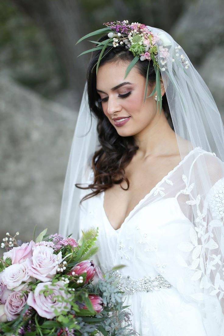 Vintage pearl bridal blog real brides news amp updates wedding - Romantic Wedding Inspiration With Vintage Boho Elegance