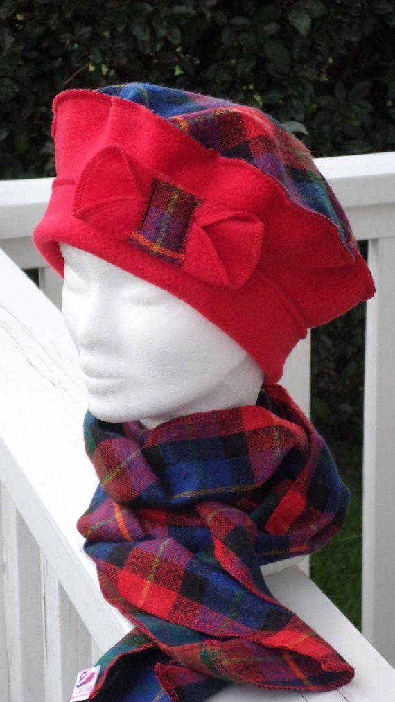 Bonnet chapeau béret   femme  confortable  unique  hiver  rouge et écossais  bleu f2dd29d2de8