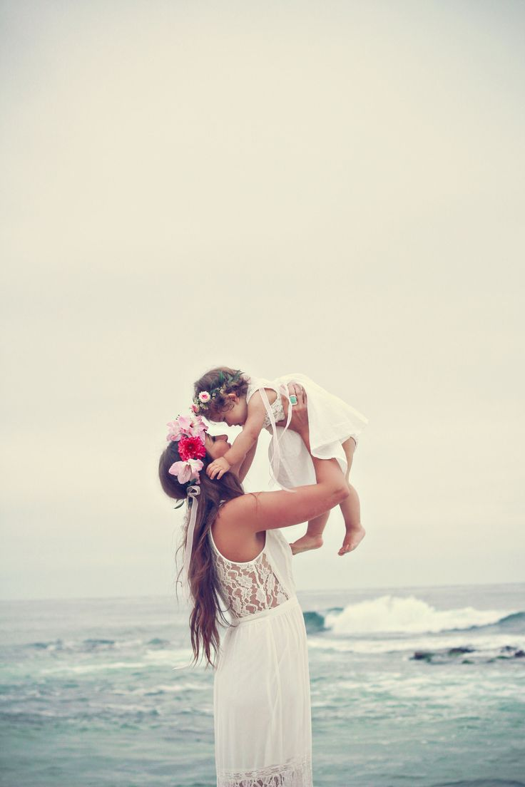 mommy and daughter Lauren Pollard Photography floral crowns