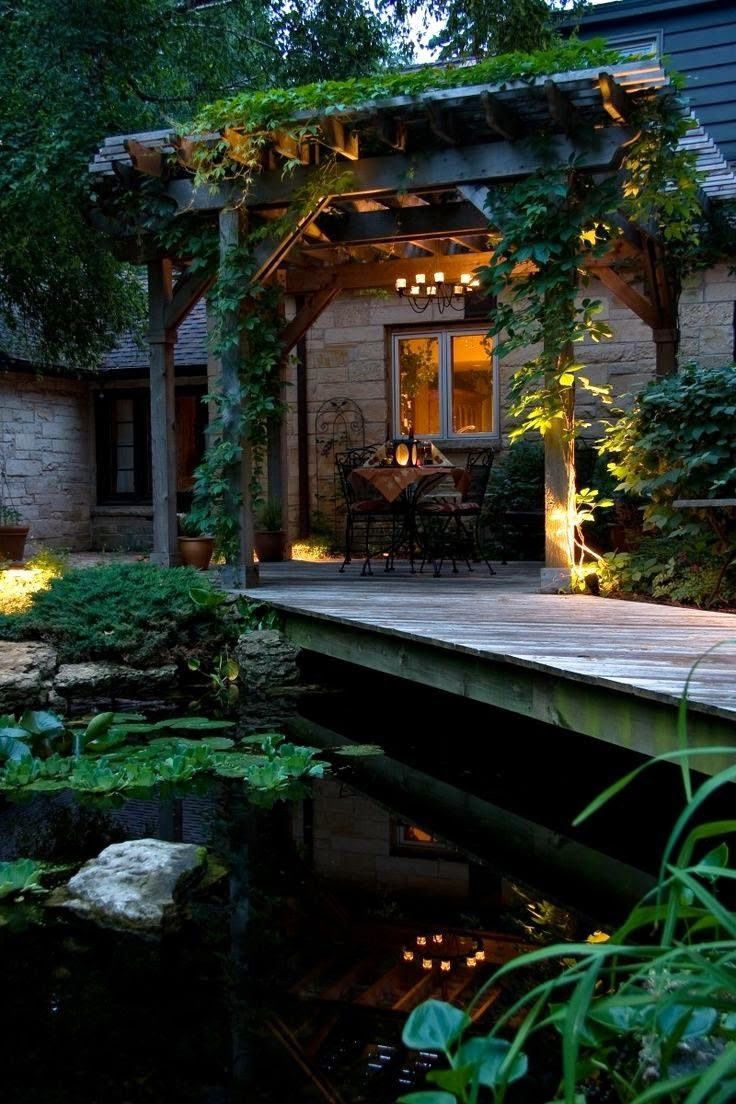 Pond & Pergola........Would love to have something like this!