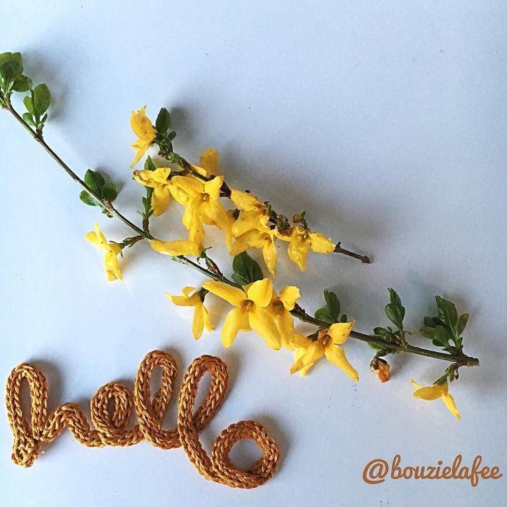 Ce matin #pourécrire ... Du fil  Et du jaune ... Pour rappeler au printemps qu'il est sensé être là  Bonne journée à tous  Have a nice day  Coton à broder @dmcfrance coloris 783 #avrilcafeine #flowfeurs2016 #hello #yellow #jaune#flowersoninstagram #mondiyamoi #tricotin #springisnow #forthysia #dmclover #haveaniceday #words