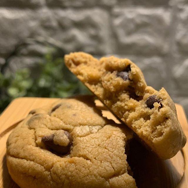 اللون المثالي للكوكيز الخالي من السكر الأبيض نستخدم السكر البني فقط جميع المكونات ذات جودة اللون المثالي للكوكيز الخالي من السكر الأب Food Desserts Cookies