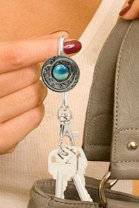 Alexx Inc presents Finder's Key Purse Key finder Keychains.  Find your key's instantly with stylish purse finder's key chains. Decorative charm hook slips on your purse's edge and keys stay tucked inside your purse. Finder's Key Purse, finder's keepers, finders keypurse, key chain, keyfinder, purse hook.