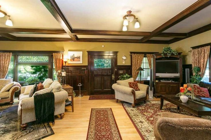 Looking for the charm of Ashland but want older East Medford prices? Historic District w/cobblestone street. Amazing craftsman built w/ the original mahogany stain wood work w/beautiful wainscoting, box beam ceilings, moldings, staircase w/open railings, lg grand living rm & formal dining rm w/ built in buffets, bookcases, hutch & gas logs fireplace in living rm. Birdseye maple flooring & red fir wood floors, Carrera marble heated floors in newer remodeled...