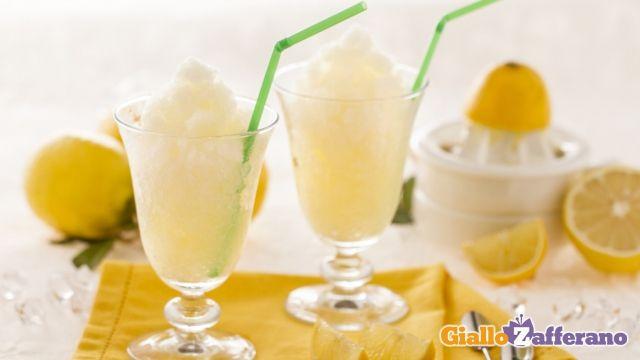 Granita al limone senza gelatiera