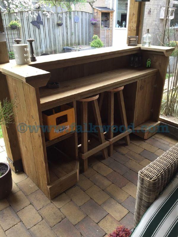 25 beste idee n over pallet tafel buiten op pinterest for Zelf een tuintafel maken
