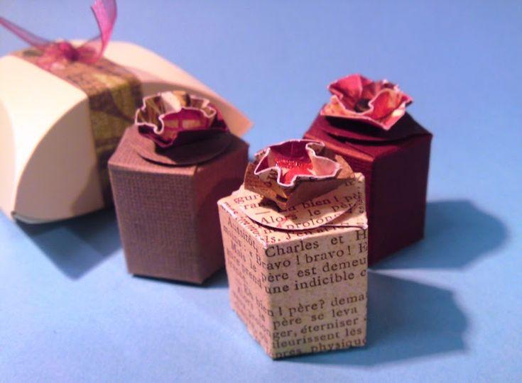 Ich habe aus dem Steckenpferdchen-Kit noch ein paar kleine Schachteln gemacht.  Fünfeckige Schachtel Das wird benötigt: - CS 7 x 11,5 ...