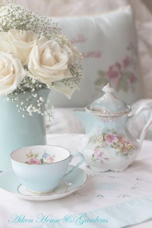 Shabby chic Tea set