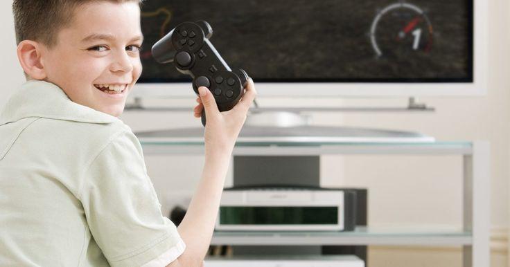 Como manter seu PS3 Slim resfriado. O PlayStation 3 Slim ou PS3 Slim, é uma versão reduzida do console original. Muitos sistemas originais eram conhecidos por possuírem problemas com aquecimento, sendo assim, o modelo Slim foi projetado para ser não apenas mais fino, mas também para que seu funcionamento fosse mais refrigerado e silencioso. Mesmo assim, o PS3 Slim ainda pode ficar ...