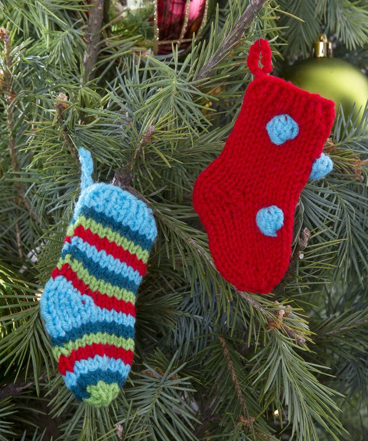 Free Christmas Knitting Patterns For Babies : Little Knit Stockings Pattern #knitting #Christmas #holiday New, New Free P...