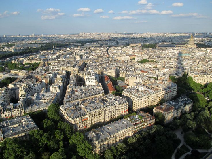 la sombra de la torre eiffel sobre la ciudad, Paris je t'aime aussi!