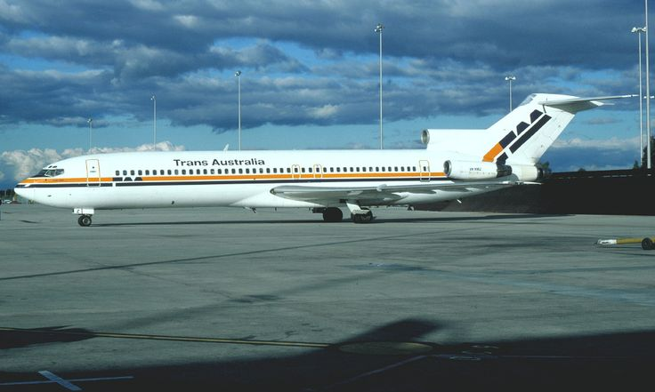 TAA VH-RMZ Boeing 727-277A (leased)