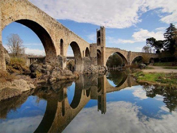 Pont-de-Besalu
