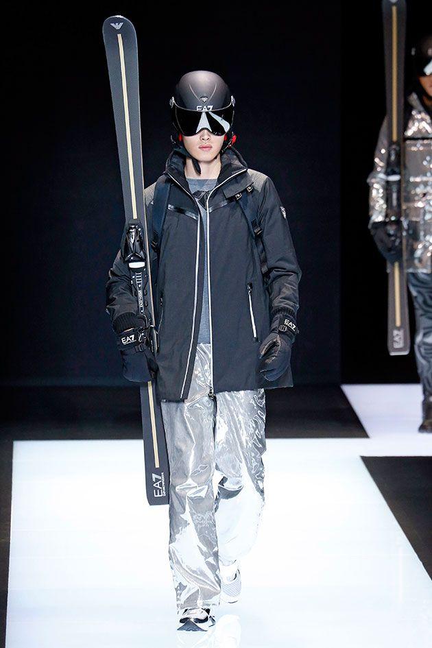 Na sua coleção de outono inverno 2016/17 a Emporio Armani mostra looks esportivos (especificamente roupas de esqui) e alfaiataria – com corte mais largo e movimento.