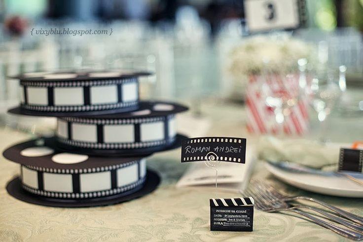 props photo booth, role film tema cinema nunta, numere masa nunta, tema cinema nunta, numere masa handmade, suport flori cinema, place card mireasa film