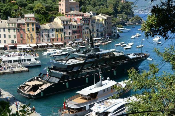 Lo yacht di Giorgio Armani a #Portofino
