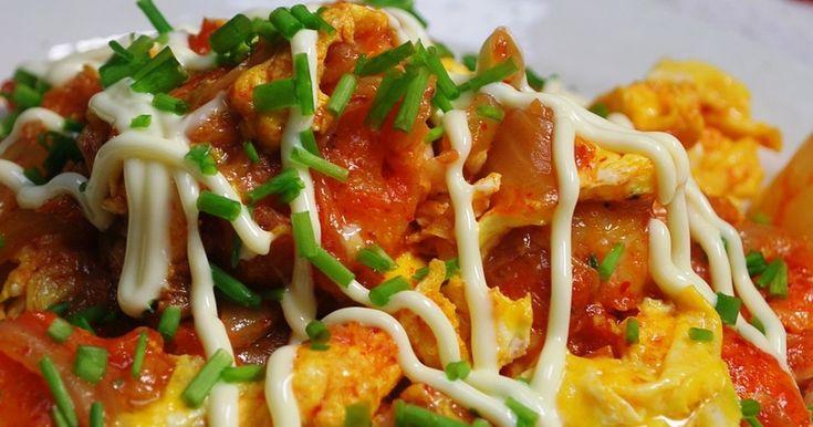 ぱっぱっと炒めるだけで簡単!プリプリの海老とピリ辛キムチが卵でまろやか~❤ビールもご飯もすすみますΨ( ●`▽´● )Ψ