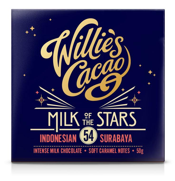Milk of the Stars - Surabaya Indonesian 54% van Willie's Cacao Een zeer bijzondere melkchocolade reep met een chocolade percentage van 54%. Hij wordt gemaakt van de Surabaya boon afkomstig uit Indonesië. Het is een intense melkchocolade met tonen van caramel. https://www.bommelsconserven.nl/delicatessen/chocolade_online_bestellen_bij_bommels_conserven/willies_cacao/willies_cacao_repen/