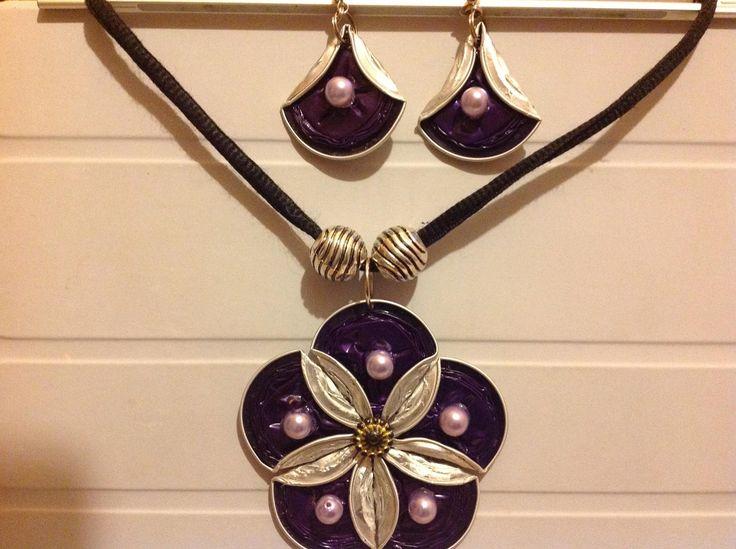 Medaglione viola più' orecchini