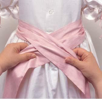 Sew Beautiful Blog: How to Tie a Perfect Sash Bow