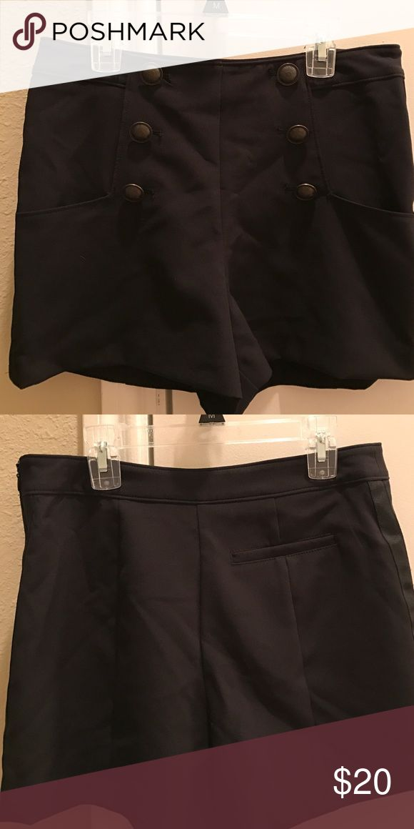 High waisted shorts From the Alice Through The Looking Glass designer collection by Colleen Atwood at Kohls, side zipper, worn once Colleen Atwood  Shorts