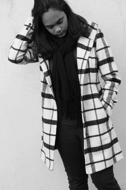 #statementouterwear #style #blackandwhite #coats #winter #scarfs #crinkledreese #fashion