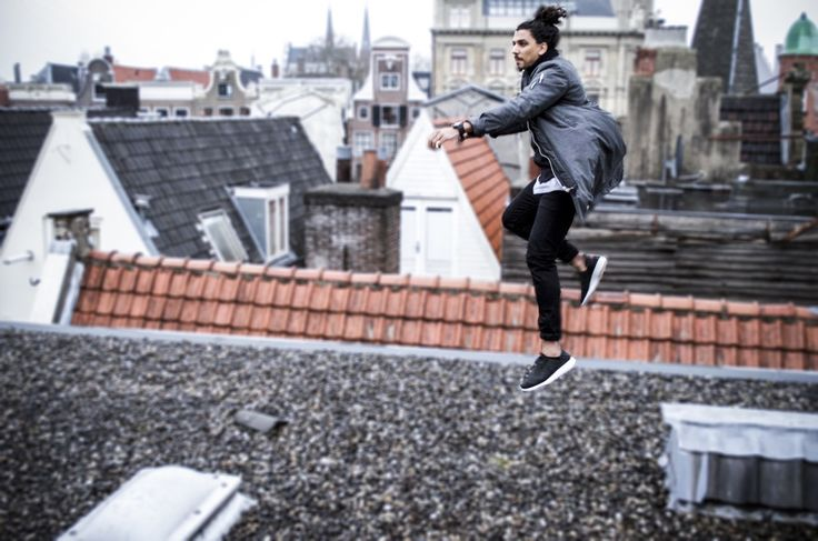 Notre Vue from Amsterdam + Rooftop Sessions wearing D.W Coat by #BRIXTOL.