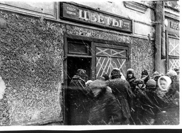 1942_god._12_u_magazina_Cvety._1.jpg (620×452)