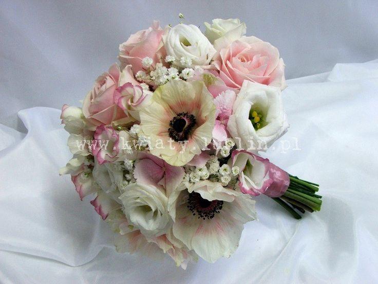 bukiet ślubny z anemonami |