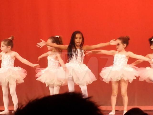 Blue Ivy Carter Crushes It at Ballet Recital! (VIDEO)