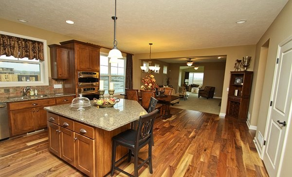 Fieldstone Parkway in Maple Grove - The open floorplan is perfect for entertaining!