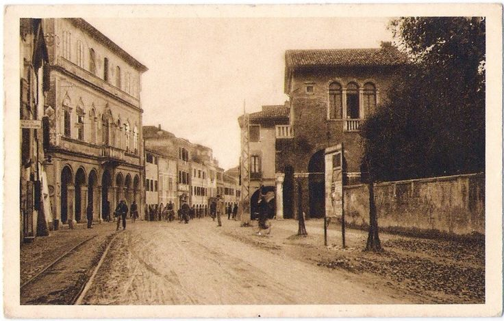 Viale Garibaldi prima di via Palazzo