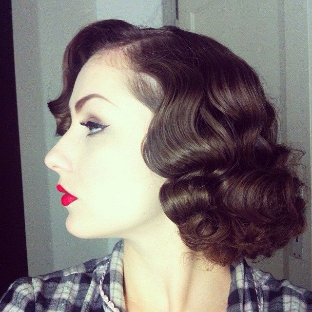 Vintage hair dress 1930s..achieved then with rags,pincurls or Marcel Wave irons.... LOVE THIS HAIRSTYLE
