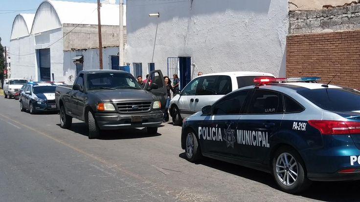 Le roban a mujer 11 mil pesos y vehículo de empresa de productos se limpieza | El Puntero