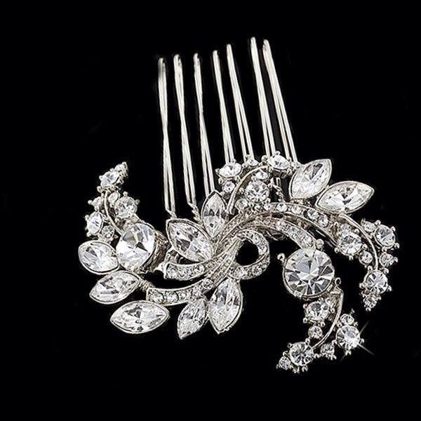 Gorgeous !!  Vintage style, crystal wedding hair comb  #wedding #accessories #beading #tiaras #vintage #jewellery #bride  www.arynverebride.com