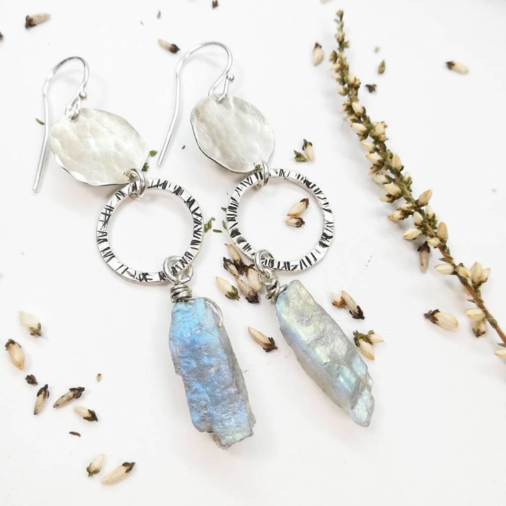 #etsy #jewelry #earrings #silver #boho #earwire #girls #luck #circle #earlobe #labradorite rawcrystal
