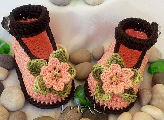 Crochet pattern baby booties - No sewing - Full of large pictures! Permission to sell finished items. Pattern No. 101
