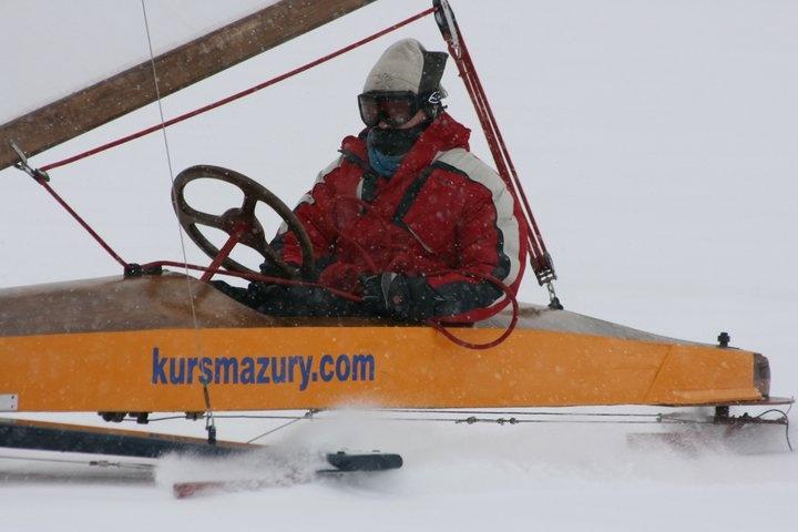 na lodzie, Weiland L8 - http://www.kursmazury.com/kursy_bojerowe.html