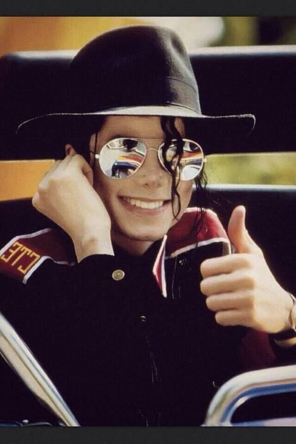 Just a heads up......if you don't want a heap of Michael Jackson posts in your feed - You might want to unfollow this board!! X