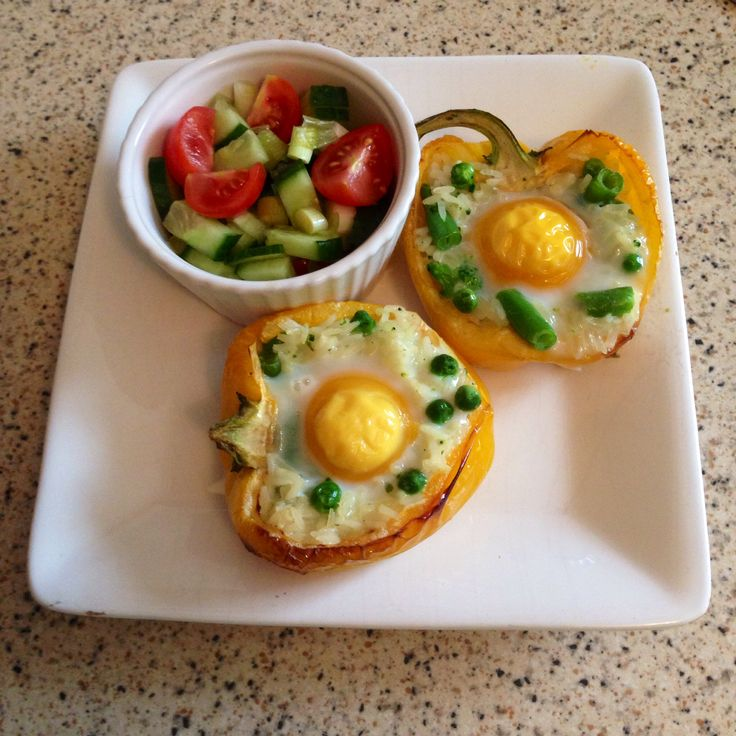 Slimming world baked egg and rice stuffed peppers , quick and easy meal and perfect on the extra easy or green plans.